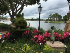 Timon and Pumbaa Topiary