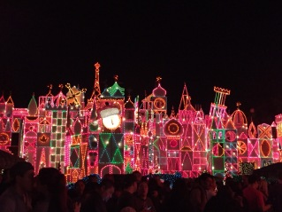 """it's a small world"" Holiday!"